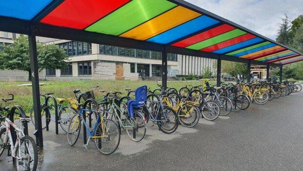 Sur le campus de l'Université Grenoble Alpes, la mobilité douce à pleins gaz
