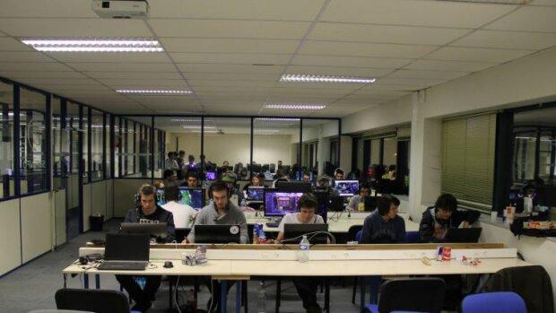 Formation aux métiers du numérique: FINEDUC IONIS GROUPE reprend SUPINFO sous certaines conditions