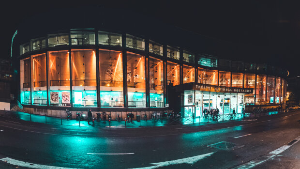 Théâtre : à Rennes, le TNB change ses habitudes et renoue avec son public