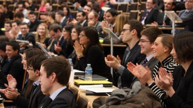 Comment ParisTech et Kedge recrutent en ligne leurs étudiants internationaux