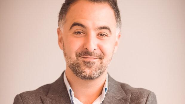 """Paroles d'agent : """"L'application de Rhinov nous permet de décrocher davantage de mandats exclusifs"""", Rémy Labrousse, Vilageo"""