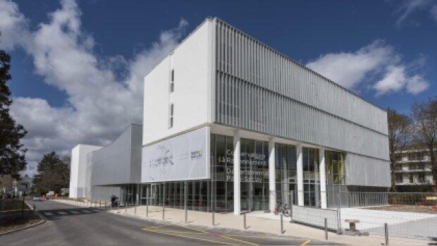 L'Université Paris-Saclay recrute un ou une chargé(e) de l'axe international doctorat