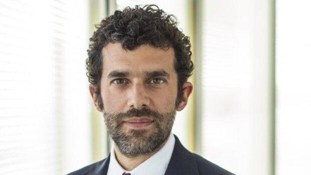 """Intérim : Adecco lance un """"CDI apprenant"""" pour soutenir 17 métiers en tension"""