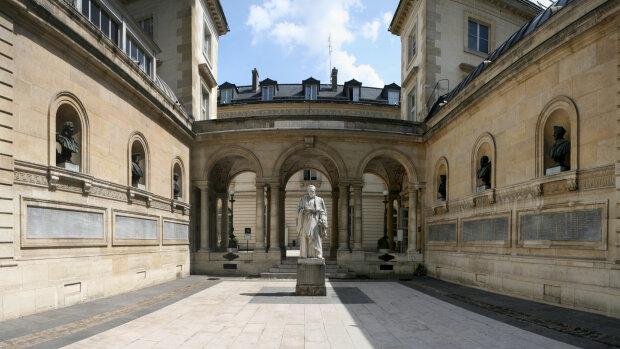 Le Collège de France recrute un ou une ingénieur de projet pour le programme national Pause