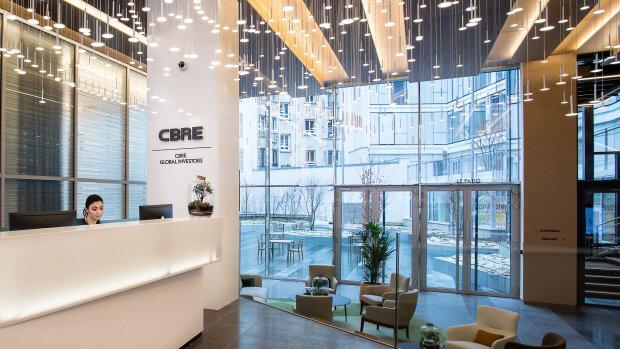 Le Groupe CBRE emploie plus de 100 000 personnes à travers le monde - © D.R.