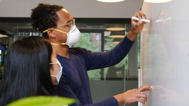 Port obligatoire du masque en entreprise: une proposition simple pour une application compliquée - © D.R.