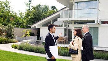 Les salaires des professionnels de l'immobilier ne décollent pas - © D.R.