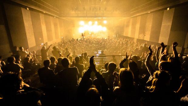 La grande salle du Chabada est désormais limitée à une jauge de 150 places assises. - © Nicolas Pensec