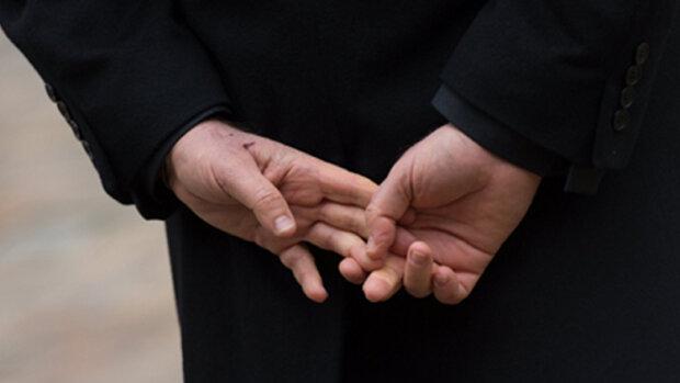 Les cinq gestes qui trahissent le sentiment des acquéreurs - © D.R.