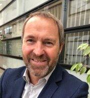 Jean-Baptiste Caulé est adjoint au directeur du développement de l'Esiee Paris.