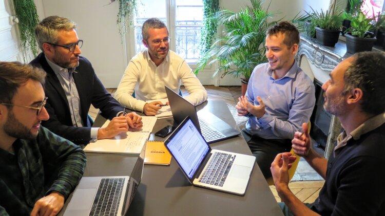 Les équipes de Gridky (au centre de l'image, Mathieu Morio) - DR