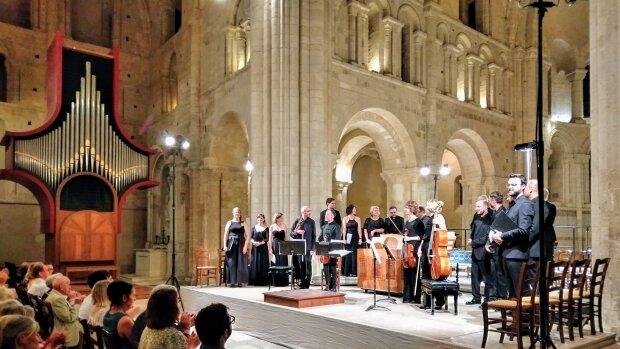 Un concert de l'édition 2019 dans l'Abbaye de Lessay.