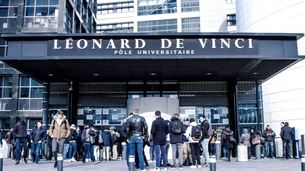 L'École de Management Léonard de Vinci recherche une ou une responsable des programmes Bachelor