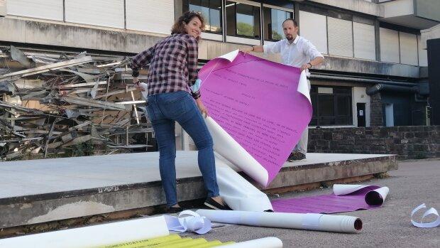 Notre journaliste a participé à l'installation d'une exposition en extérieur sur la missionApollo 1 - © D.R.