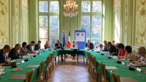 Covid-19: le gouvernement s'engage sur l'activité partielle et la formation  - Ministère du Travail