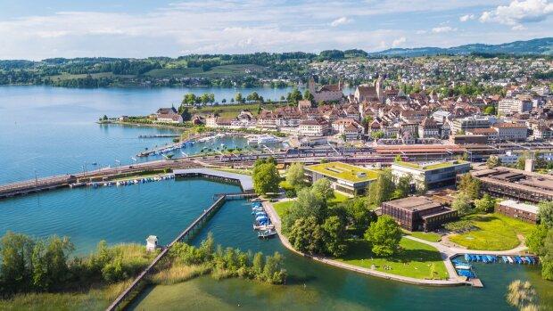 Isabelle Zulauf-Poli travaille sur un campus àRapperswilau bord du lac de Zurich en Suisse. - © D.R.