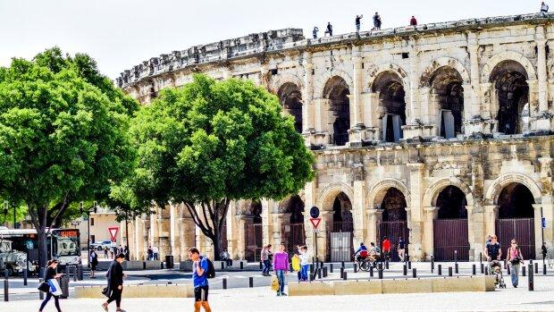 L'Université de Nîmes recrute un ou une directeur(-trice) des études et de la vie étudiante