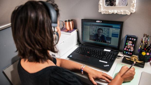 Les leçons du passage en ligne d'une formation au management par l'X Executive Education
