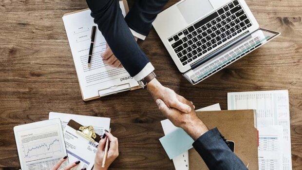 4 bonnes raisons de prêter vos salariés - © D.R.