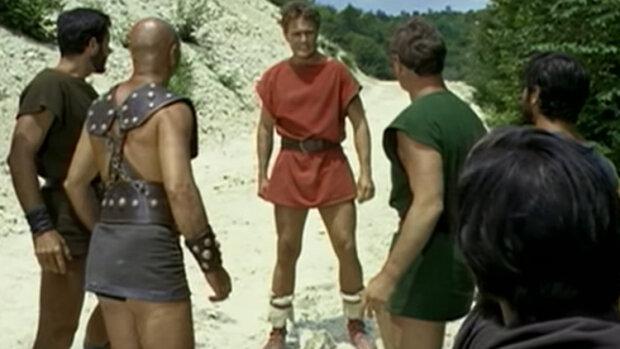 Spartacus s'invite dans la campagne TV de ChercheMonNid! - © D.R.