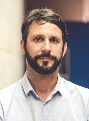 Manuel Canévet analyse de près la communication de l'ESR