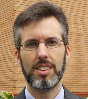 Pablo Ortega Deballon est professeur de médecine à l'Université de Bourgogne