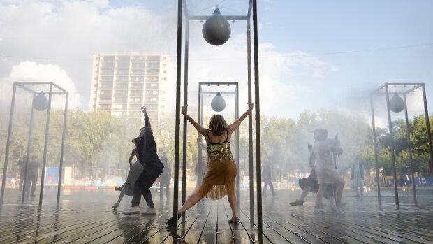Spectacle «That's All Right Paname!», le 22 août au Bassin de la Villette (Paris 19<sup>e</sup>) - © Jean-Baptiste Gurliat / Ville de Paris