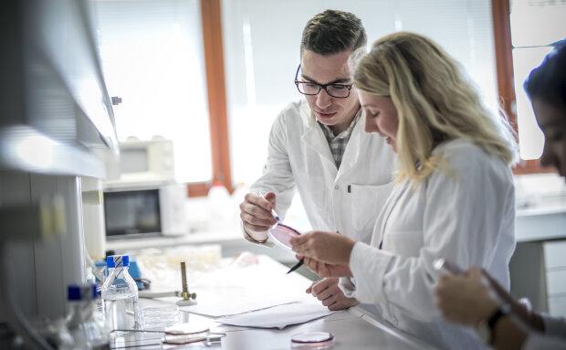 Le CNRS est le premier organisme de recherche français à défendre la parité - © CPU-Université de Haute-Alsace