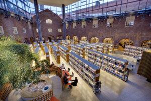 Dans la bibliothèque de la KTH comme partout sur le campus, la distanciation est de rigueur. © Jann Lipka