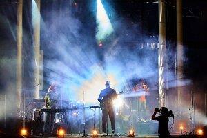 Isaac Delusion en concert lors de la première soirée des Éclatantes le 3 juillet dernier.