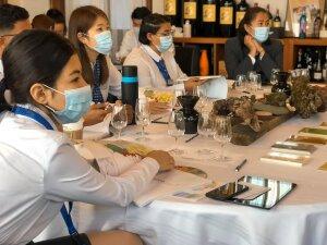 Même en cours d'œnologie, le masque est préconisé