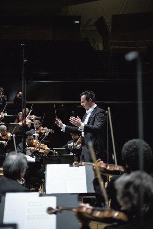 Le directeur musical de l'ONDIF, Case Scaglione - © Christophe Urbain
